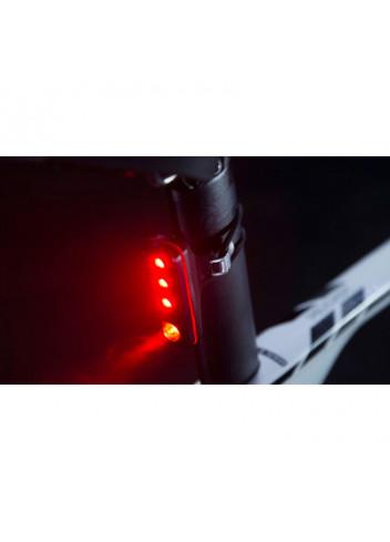 eclairage-arriere-4-leds-blinder-road-r70---knog_full_5