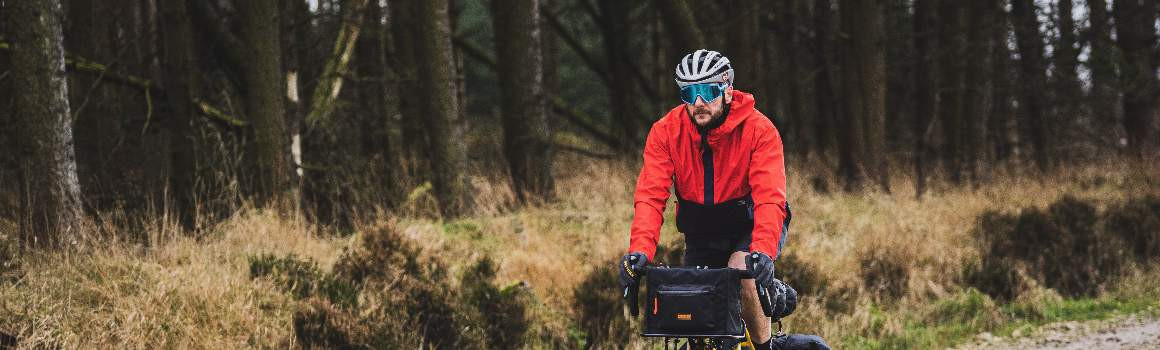 Sacoches sur guidon de voyage et de Bikepacking | JE SUIS À VÉLO