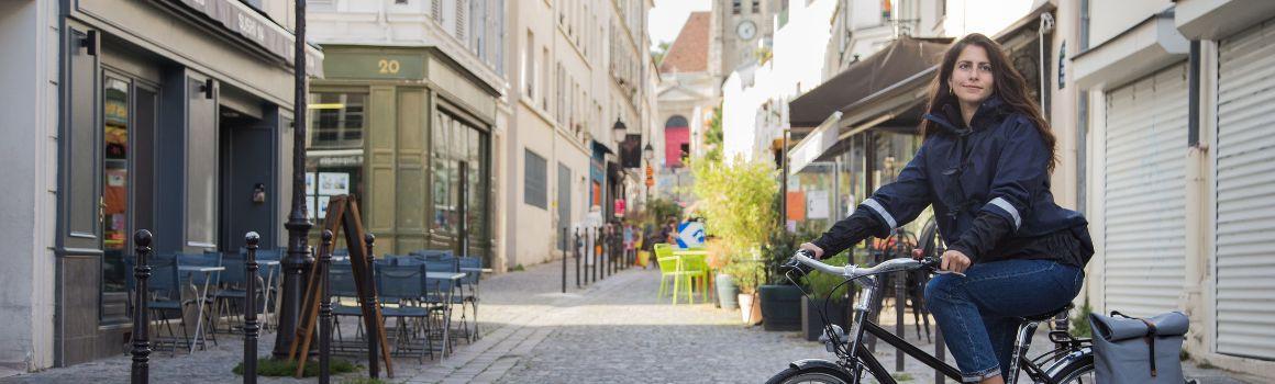 Vêtement vélo femme : restez stylé en vélotaf !